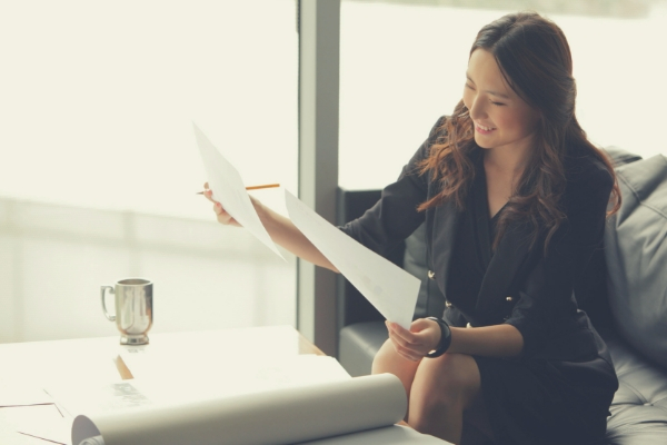 Practical Advice for Women Who Want to Move Forward in Their Careers - Complete Payroll